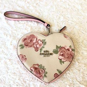 Coach Jumbo Floral Heart Wristlet 🌸